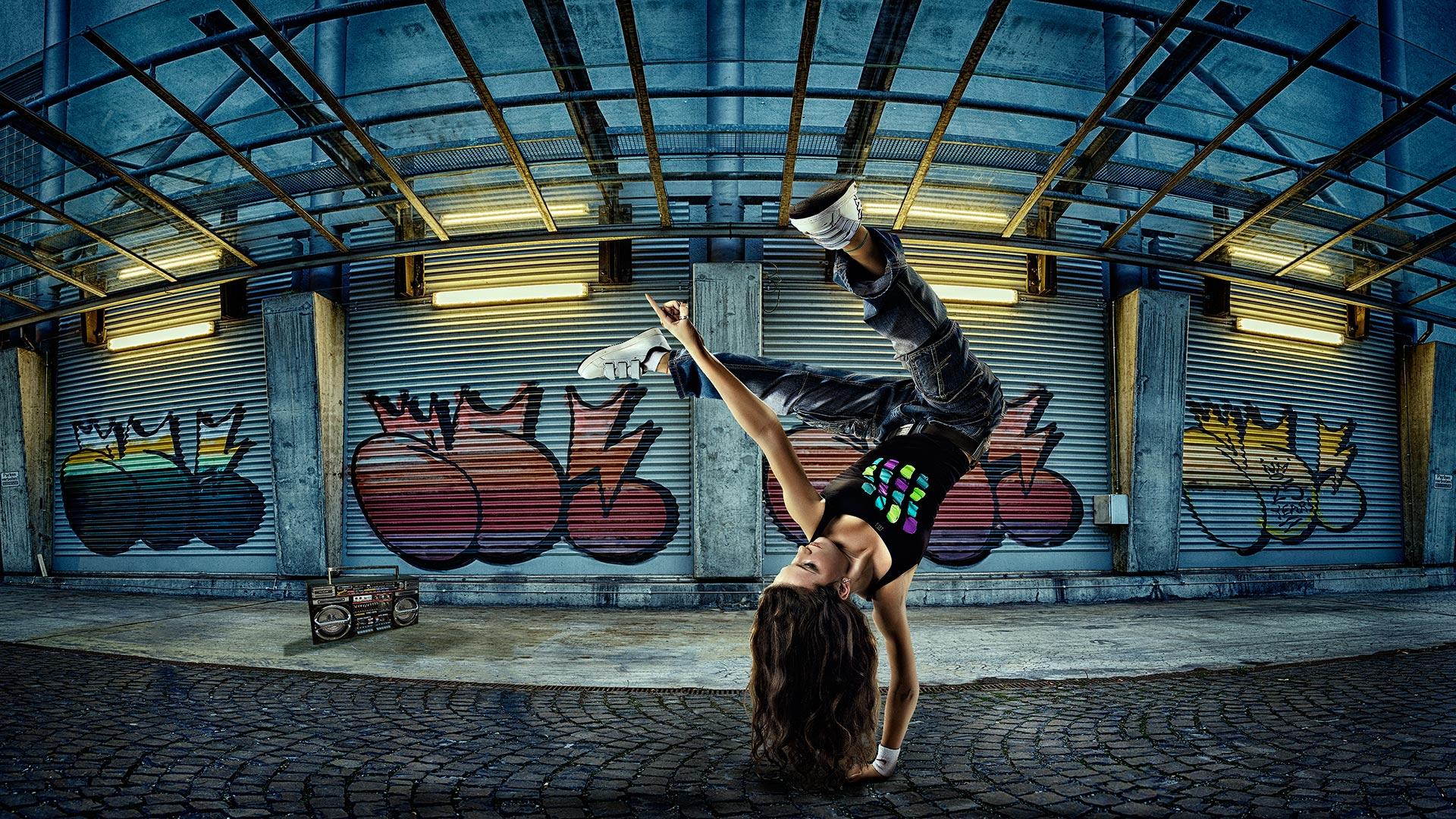 Advertising sports photographer Oleg Trushkov - Street Dancer